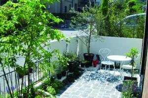 お庭のパーツ別事例集タイルテラス